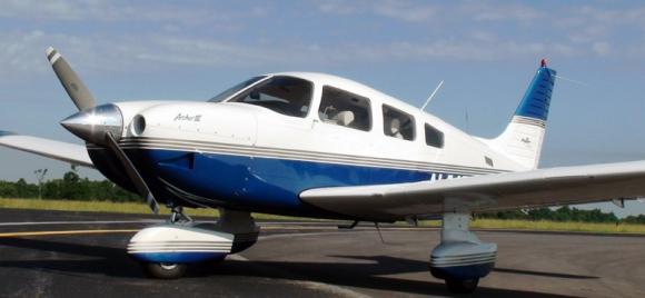z_Avion-Piper-PA-28-181